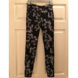 Old Navy floral yoga pants